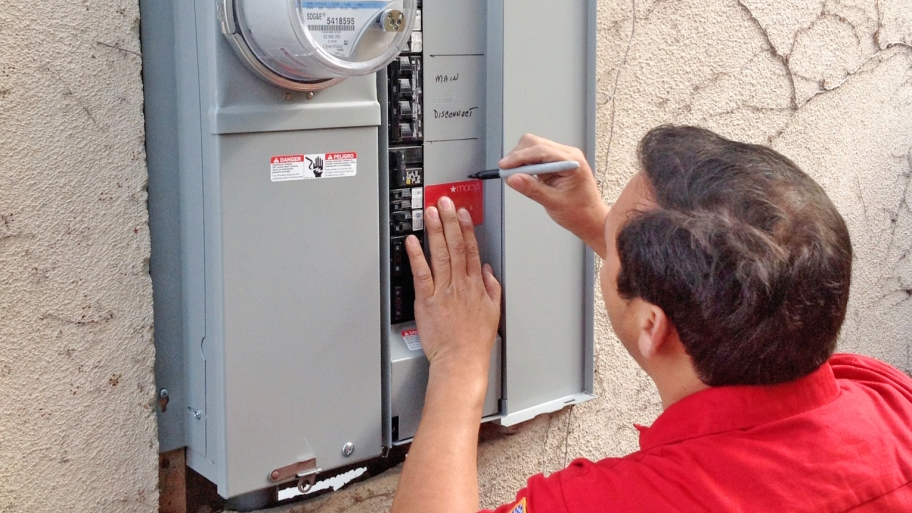 Should I Update My Electric Panel? - 5Blog